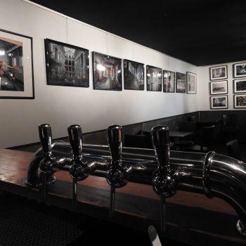 La salle du Taquin vue du bar